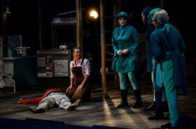 Csokonai Színház: A padlás
