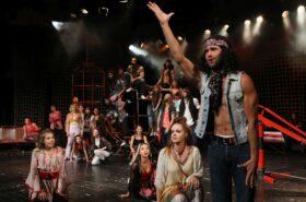 Pannon Várszínház: Hair